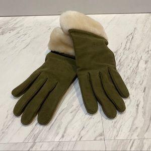 NWOT UGG Olive Green Winter Gloves